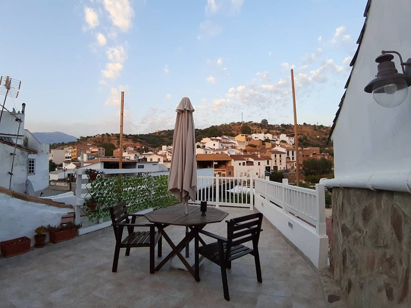 Nice house with swimming-pool – semesterbostad i Riogordo
