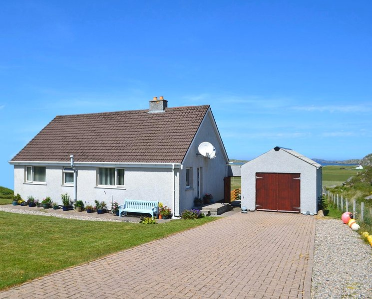 Reef Cottage: relax, unwind & lose yourself in the views. New to the market 2020, alquiler vacacional en Carloway