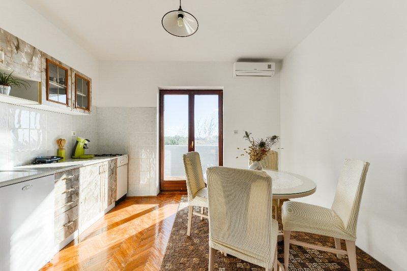 Apartment Zadar-Vrsi B2, vacation rental in Vrsi