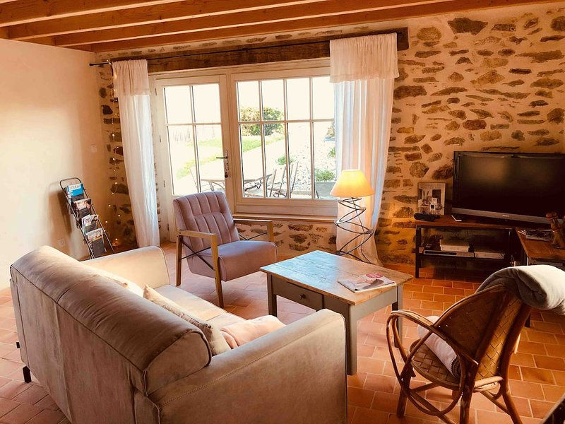 Amazing house with sea view & Wifi, holiday rental in Plougonvelin