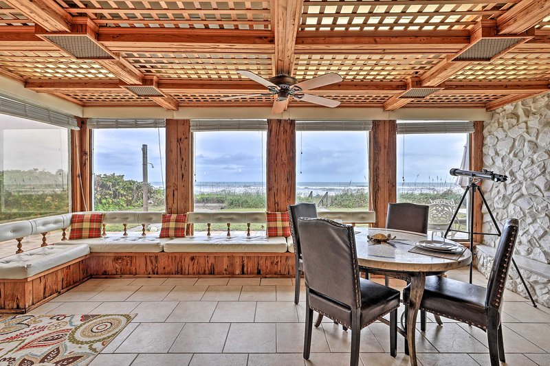 Beachfront Indialantic House w/ Furnished Patio!, holiday rental in Indialantic