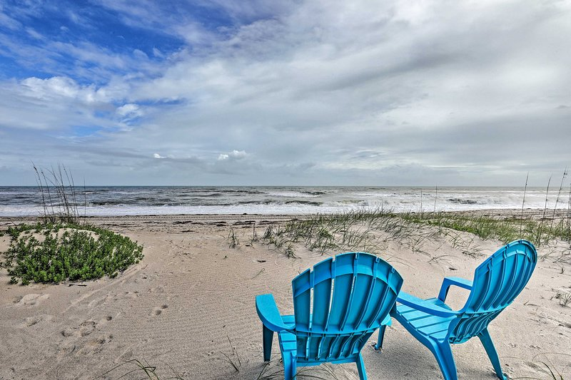 NEW! Oceanfront Indialantic Home w/ Outdoor Space!, holiday rental in Indialantic