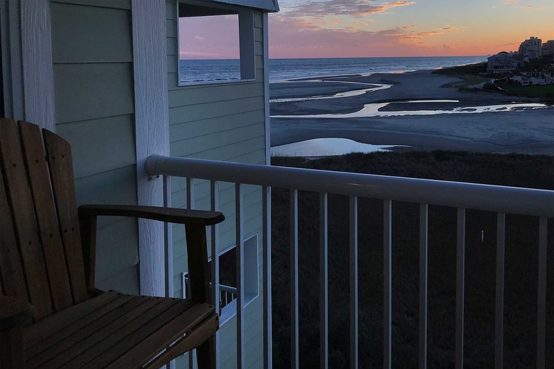 Sands Beach Club Condo just 8 Miles to Family Fun!, holiday rental in Arcadian Shores
