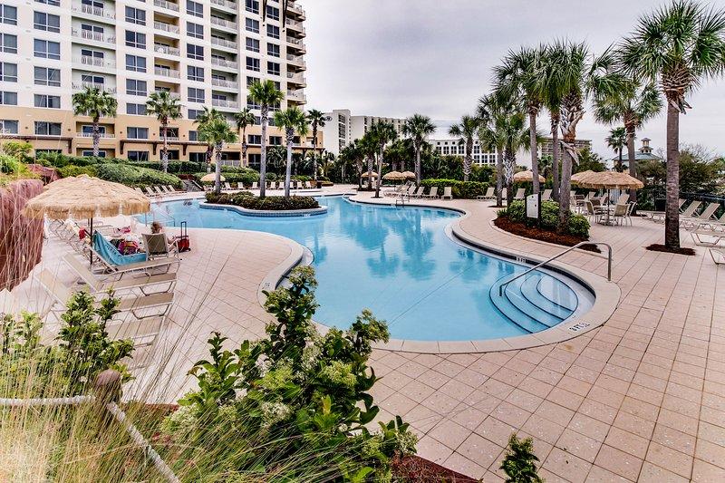 Cozy coastal condo with shared pool/hot tub and easy beach ...