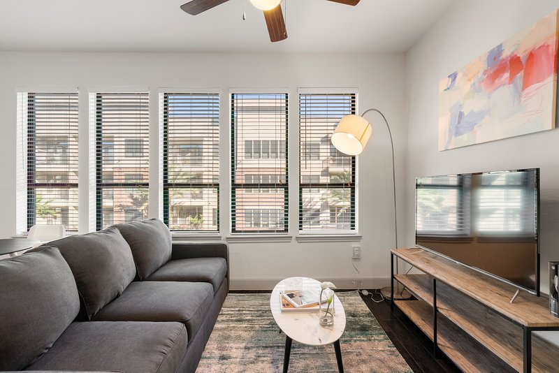 Kasa | Houston | Sophisticated 1BD/1BA Museum District Apartment, holiday rental in Houston
