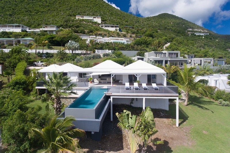 Villa Discovery | Ocean Front - Located in Stunning Orient Bay with Private Poo, holiday rental in Cul de Sac