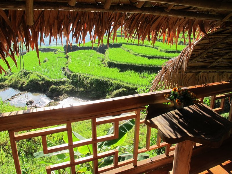 HOME STAY: Triple room with amazing views, casa vacanza a Thanh Lam