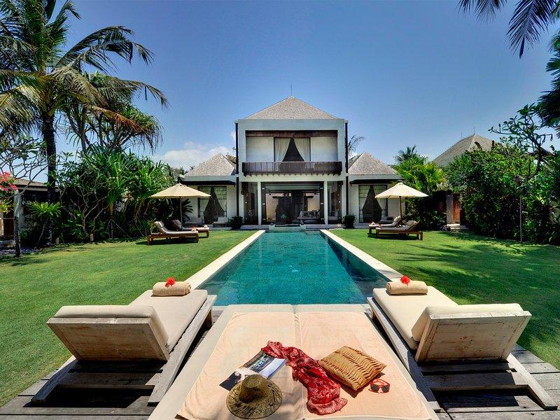 Villa Maya, 4BR, Ketewel, holiday rental in Ketewel