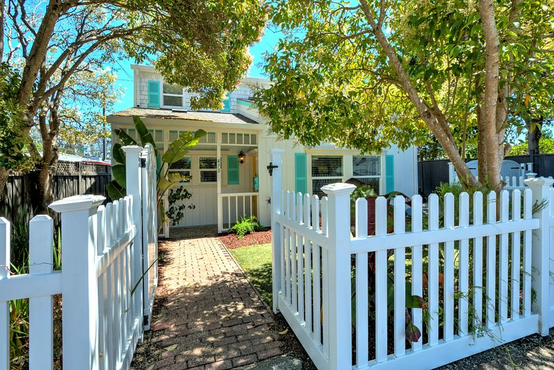 Twin Lakes Beach Cottage, holiday rental in Scotts Valley