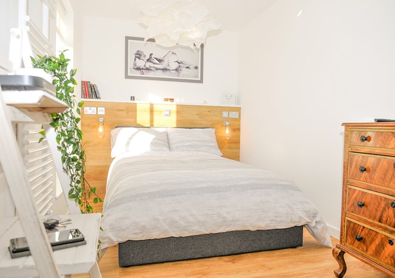 Whitsun Cottage - A cosy one bedroom Victorian cottage sleeping up to 3 guests, location de vacances à Lee-on-the-Solent