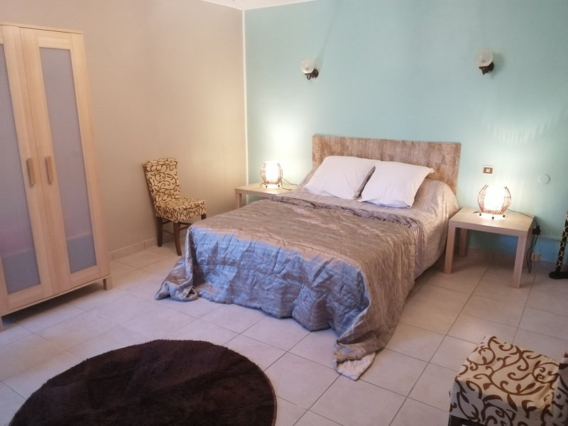 Nice house in Ayzieu & Wifi, vacation rental in Barbotan-les-Thermes