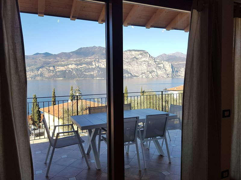 Bmp Apartment Duplex con Jacuzzi riscaldata vista lago, holiday rental in Assenza
