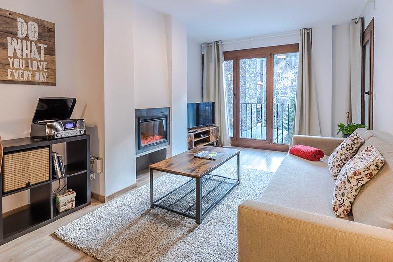 Apartamento 4 personas - Stay Arinsal - a pie telesilla Pista de esquí y natura, holiday rental in Sant Julia de Loria