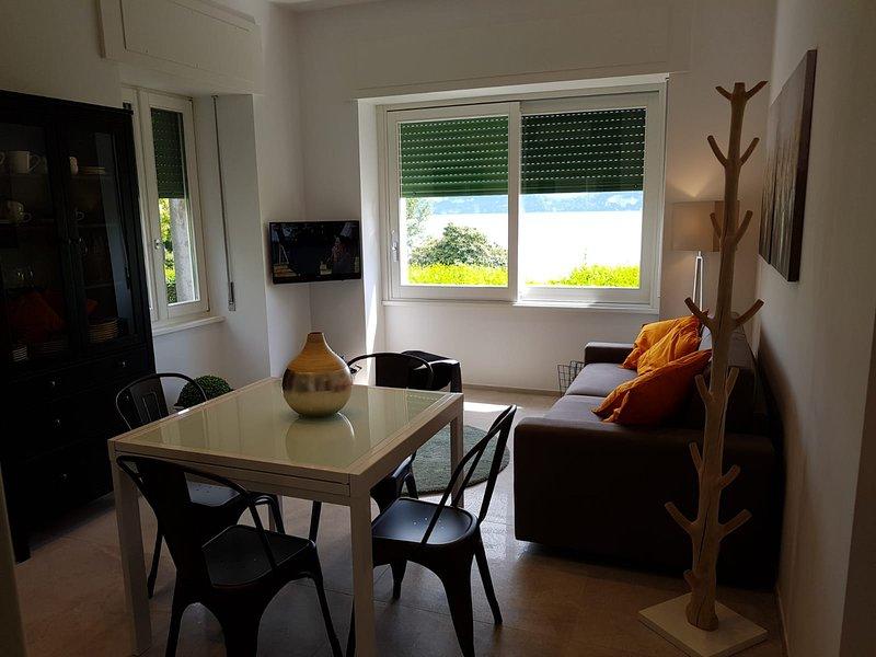 Bmp Apartment Azalea, vacation rental in Belgirate