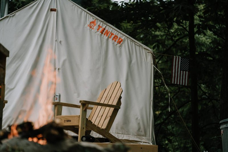 Tentrr State Park Site - WV Hawk's Nest State Park - Site G - Single Camp, holiday rental in Mount Hope