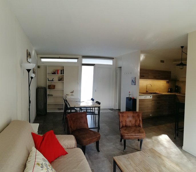 Nice apt with balcony, vacation rental in Arcachon