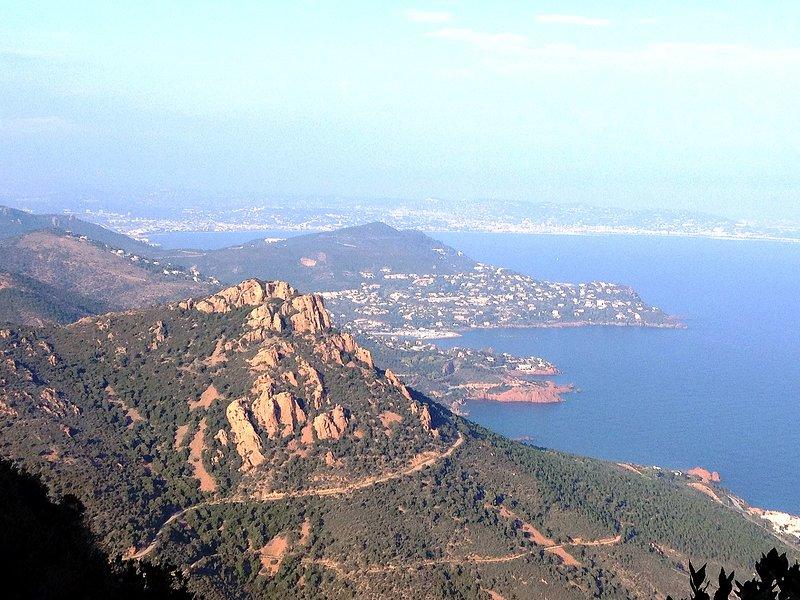 L'Estérel: view of Cap Roux on Mandelieu - Cannes