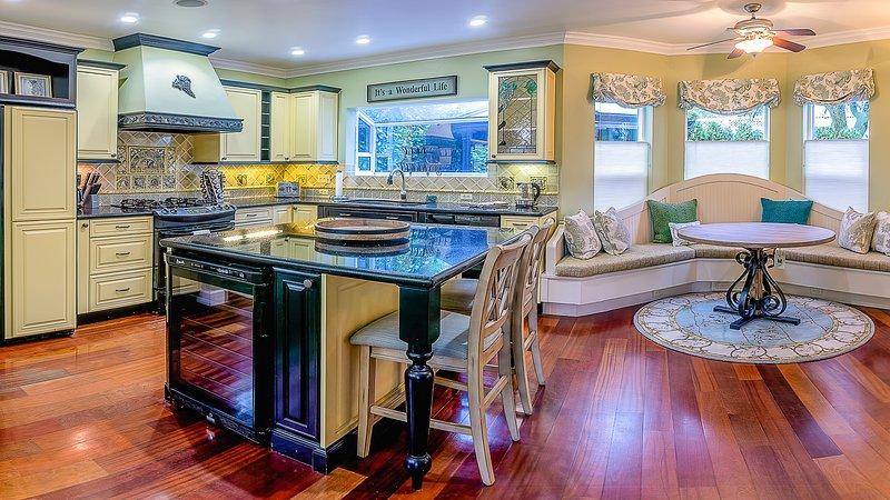 Lori Lane House ~ 5 Blocks from Downtown Ashland, location de vacances à Phoenix