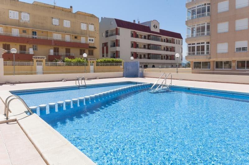 Apartamento de 3 habitaciones con vistas al mar, holiday rental in Manuel