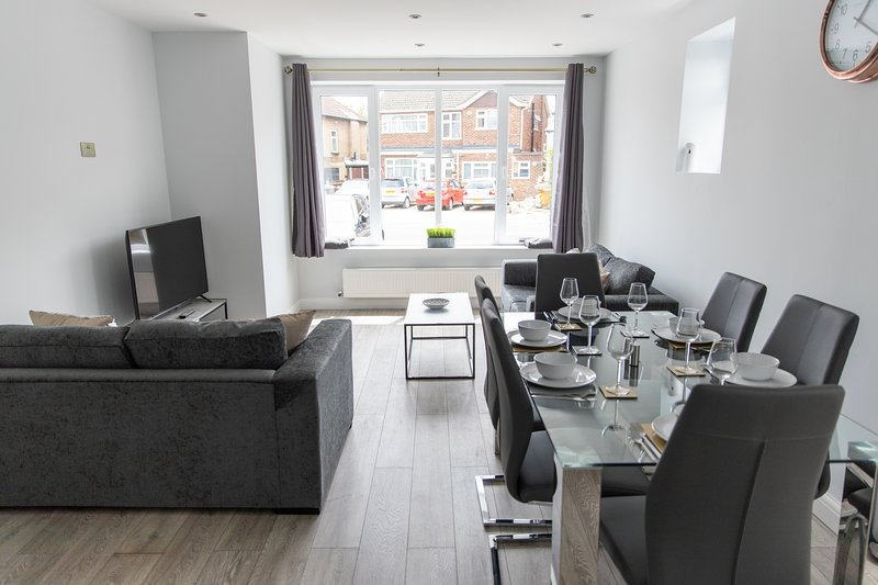London Northwick Park Serviced Apartments by Riis Property, vacation rental in Harrow
