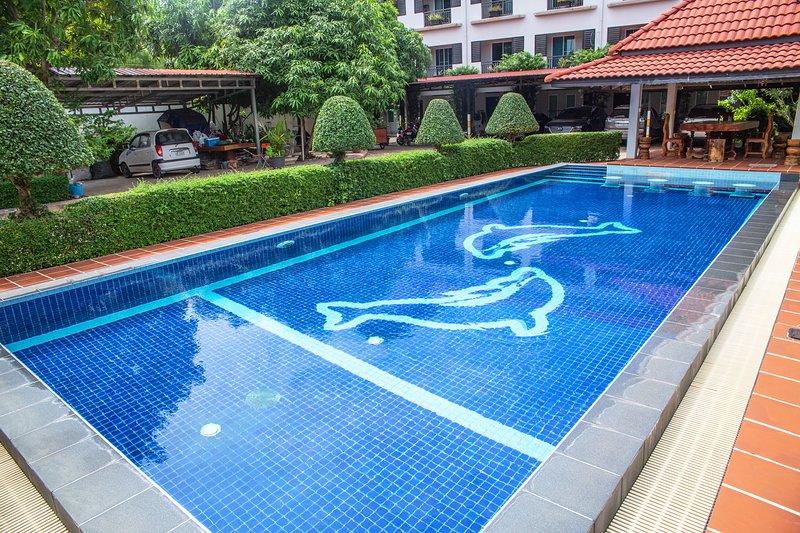 NEW Private Apartment POOL & FREE PICK-UP !, location de vacances à Sueydongkorn