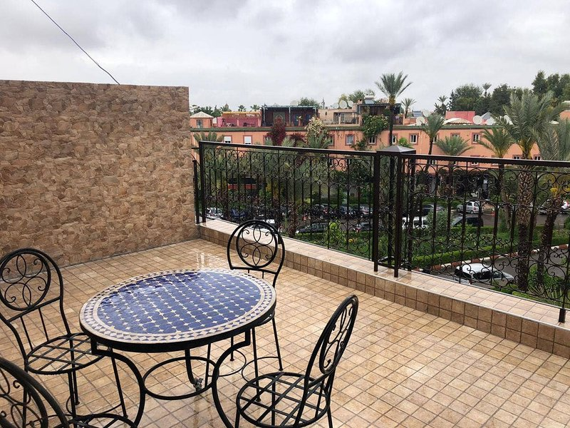 Apartment with shared pool, alquiler de vacaciones en Ait Azzi