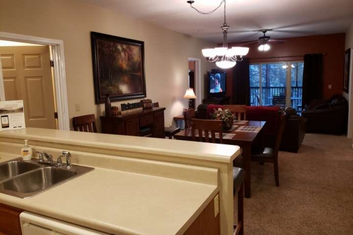 Great Golf Course  Condo at Stonebridge. Two Master Suites. Very near Silver Dol, holiday rental in Galena