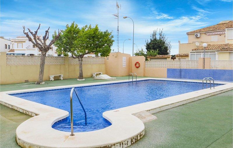 Awesome home in Orihuela-Costa w/ Outdoor swimming pool, Outdoor swimming pool a, holiday rental in La Florida