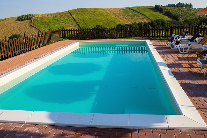 Amazing apartment with shared pool, holiday rental in Ostra Vetere