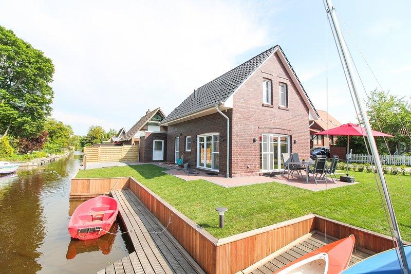 Exklusives Ferienhaus 'Auf hoher See' - Großes Meer, Ostfriesland, holiday rental in Aurich