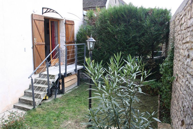 Spacious house with garden & Wifi, holiday rental in Vosne-Romanee