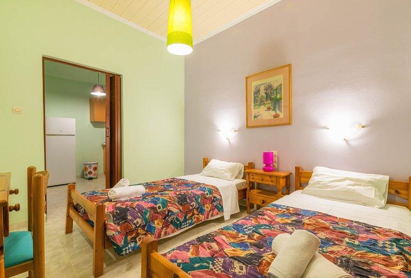 Two-Bedroom Apartment, location de vacances à Porto Koukla