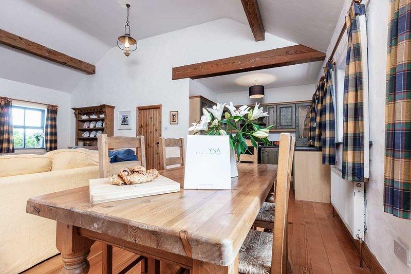 Inchaloughra Lodge – A spacious and sociable home, alquiler vacacional en Annascaul