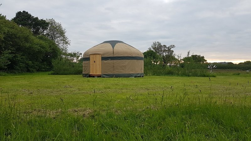 The Lorax Patch - 18' Family Yurt, holiday rental in Worth