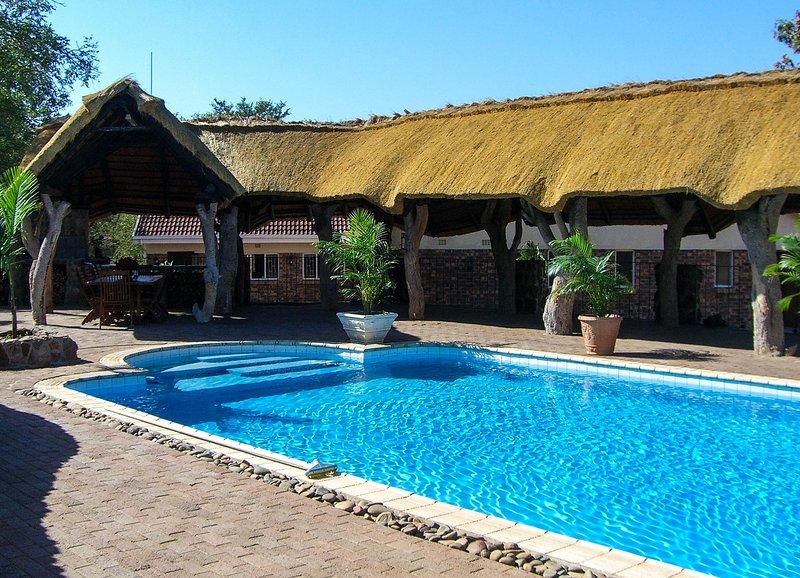 Inyanga Safari Lodge, holiday rental in Grietjie Nature Reserve