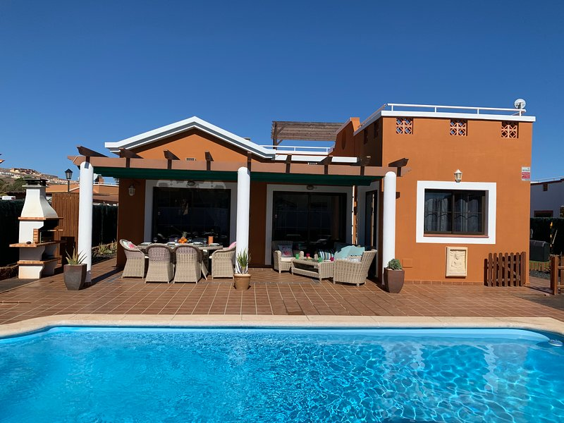 VILLA DELPHI, holiday rental in Caleta de Fuste