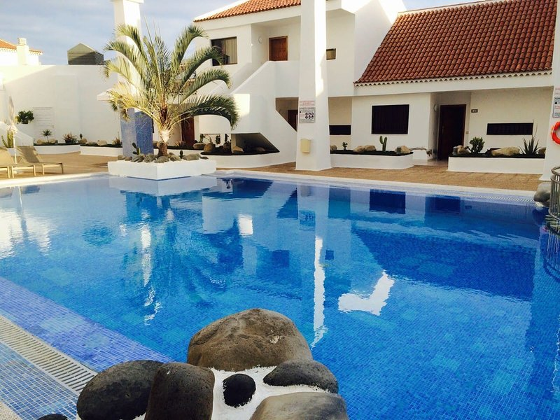 Amazing apartment with shared pool, holiday rental in La Caldera
