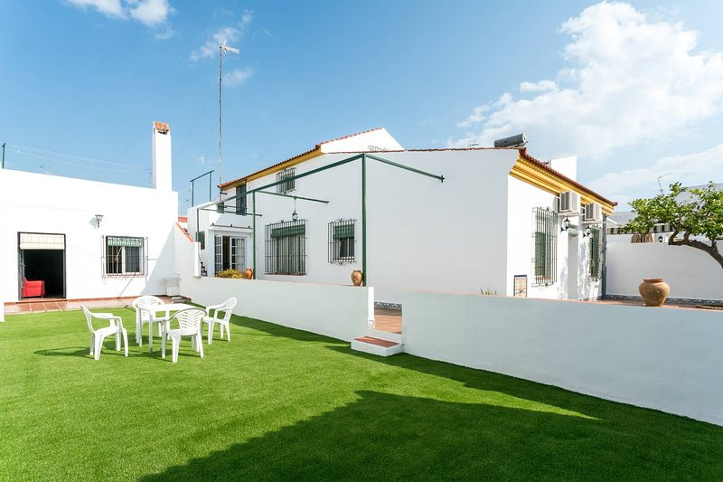 Amazing house with swimming-pool, alquiler vacacional en Almonte