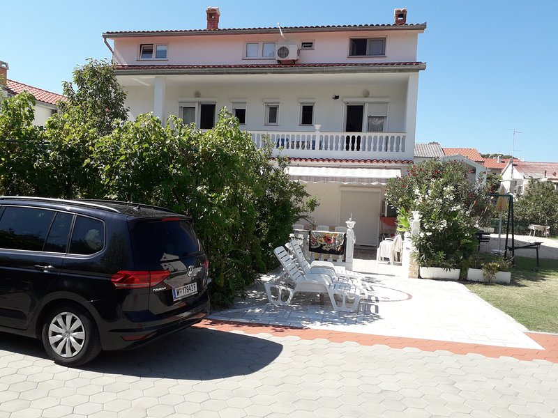 Holiday house Perkic Rab, vacation rental in Palit