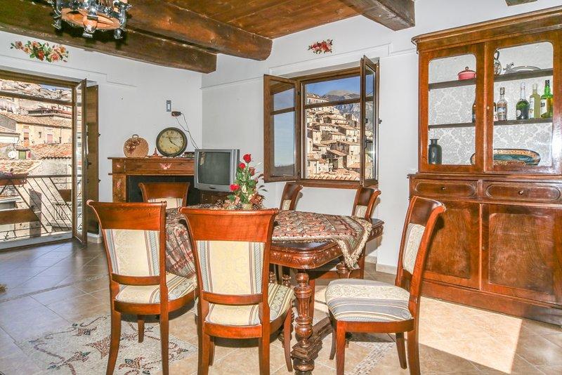 Apartment with mountain view, vacation rental in Terranova di Pollino