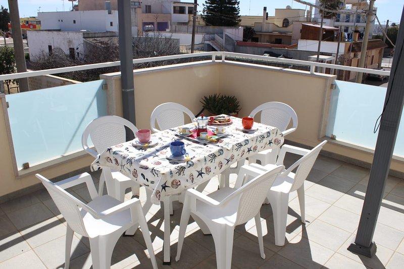 Amazing apt near the beach & Wifi, casa vacanza a Villaggio Boncore