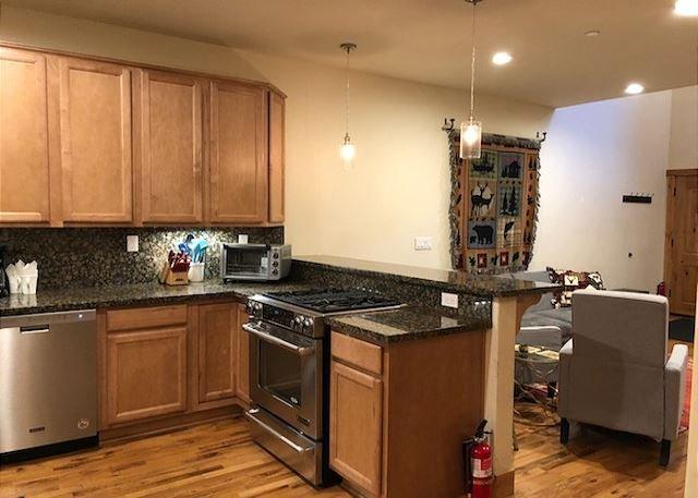 Área de cocina a sala