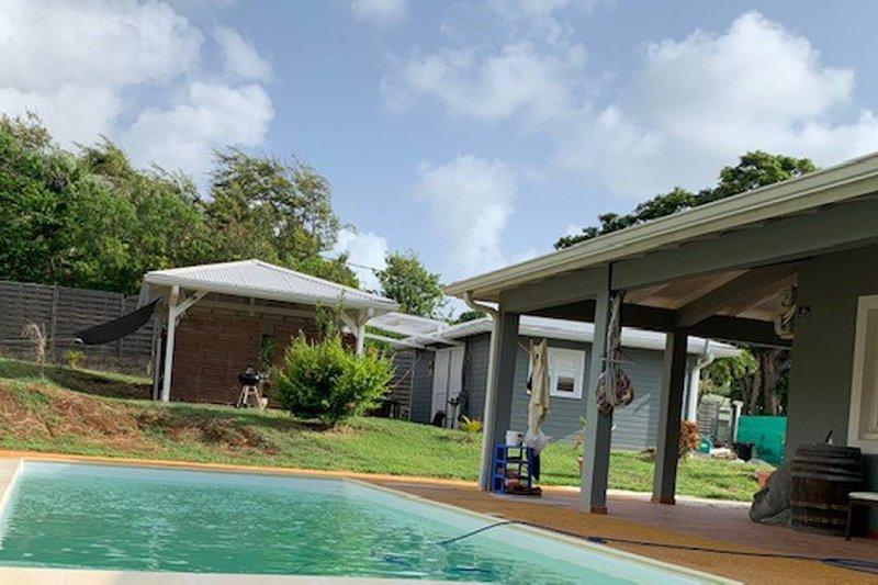 Amazing villa with swimming-pool, alquiler de vacaciones en Le Francois