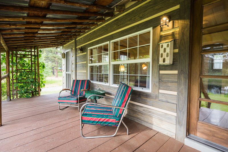 Arrowhead Cottage, location de vacances à Chiloquin