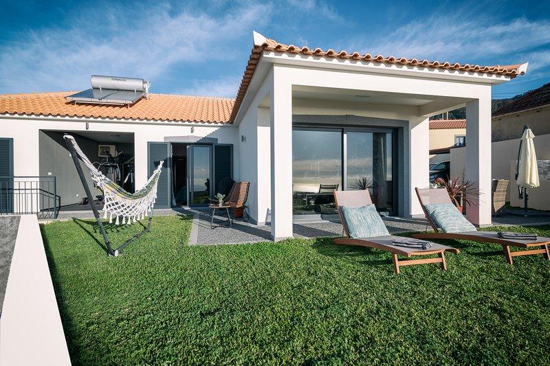 Villa Sweden, holiday rental in Estreito de Camara de Lobos