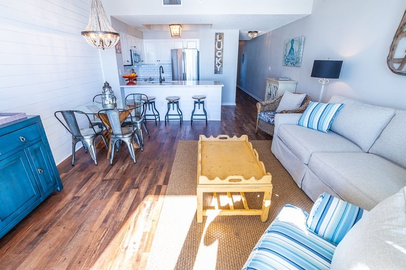 Chair,Furniture,Flooring,Hardwood,Indoors