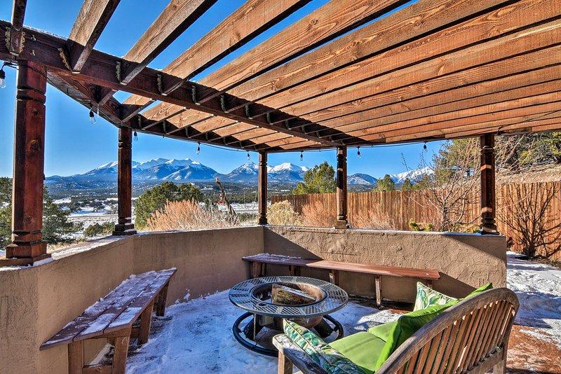 Mountainside Home Central to Salida & Buena Vista!, casa vacanza a Nathrop