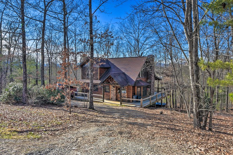 Book this Mineral Bluff vacation rental today!