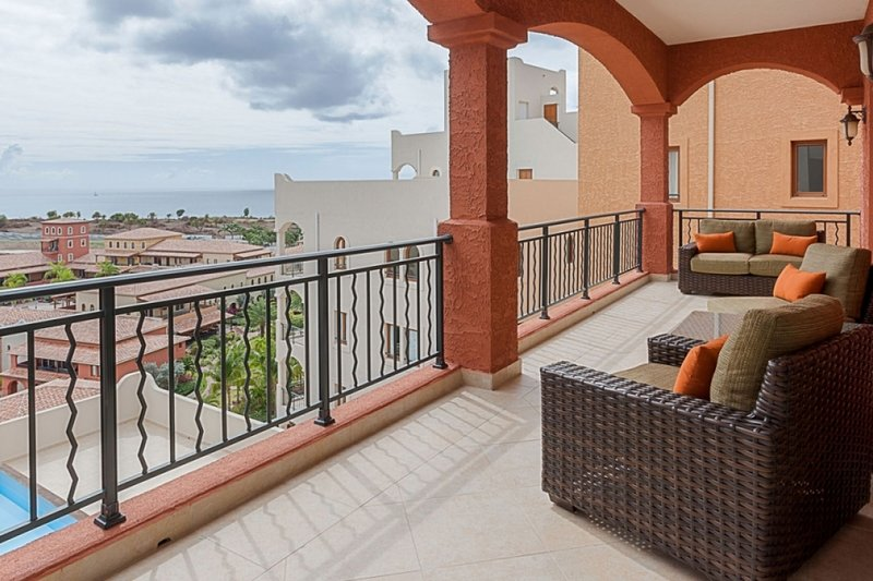 Condo Corfu | Ocean View - Located in Magnificent Porto Cupecoy with Private P, holiday rental in Sint Maarten
