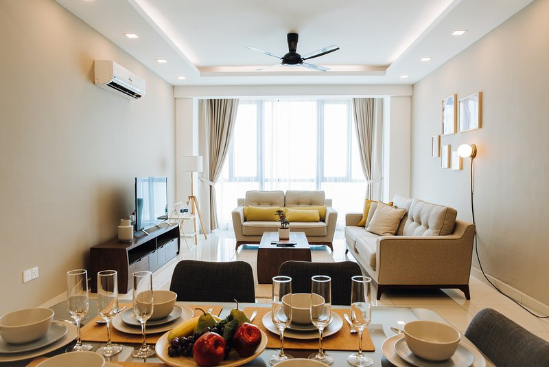 PY|Minimalist Modern Seaview | 时尚简约海景公寓, holiday rental in Sungai Petani